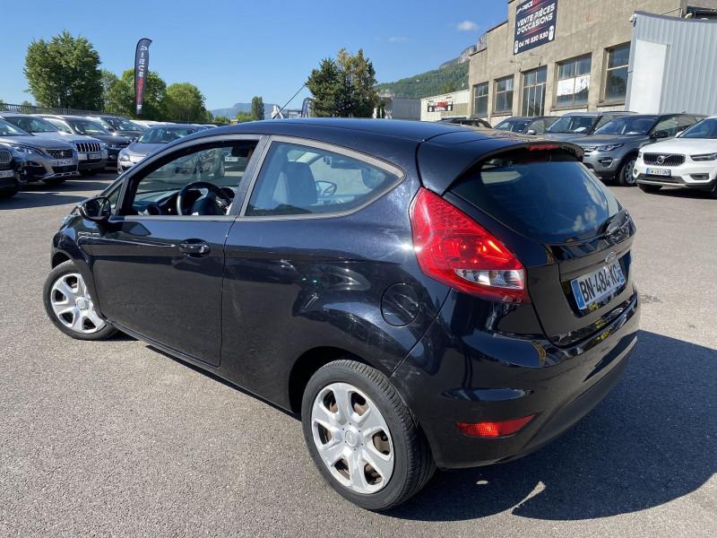 Photo 2 de l'offre de FORD FIESTA 1.4 TDCI 70CH FAP AMBIENTE 3P à 4990€ chez Help car