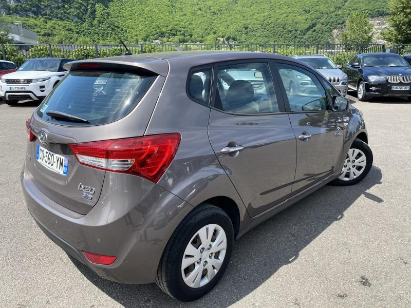 Photo 3 de l'offre de HYUNDAI IX20 1.6 CRDI115 PACK BUSINESS BLUE DRIVE à 7990€ chez Help car