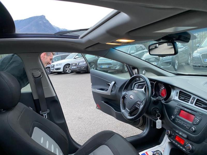 Photo 5 de l'offre de KIA CEE'D 1.6 CRDI 128CH PREMIUM à 7990€ chez Help car