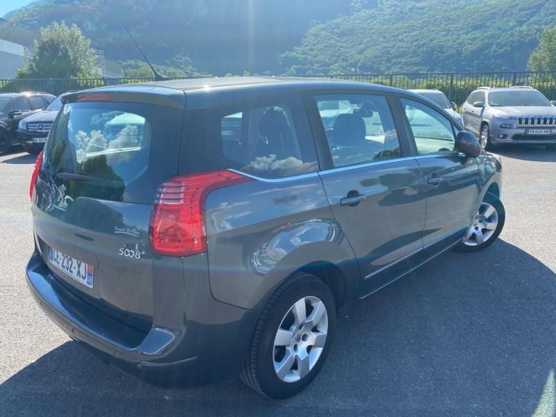 Photo 3 de l'offre de PEUGEOT 5008 1.6 HDI112 FAP ALLURE 7PL à 8490€ chez Help car