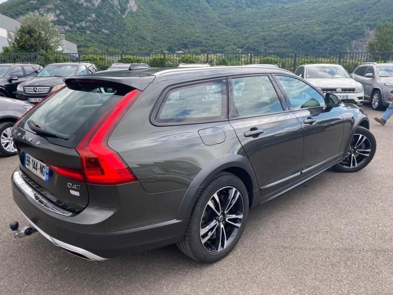 Photo 2 de l'offre de VOLVO V90 CROSS COUNTRY D4 AWD 190CH GEARTRONIC à 32990€ chez Help car