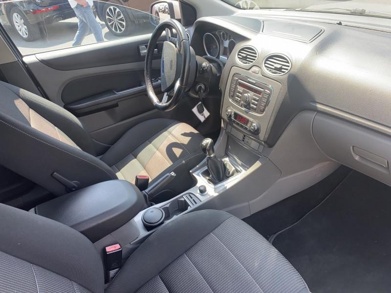 Photo 3 de l'offre de FORD FOCUS SW 1.8 TDCI 115CH GHIA à 5490€ chez Help car