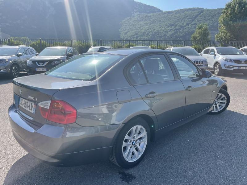 Photo 3 de l'offre de BMW SERIE 3 320DA 163CH LUXE à 6990€ chez Help car