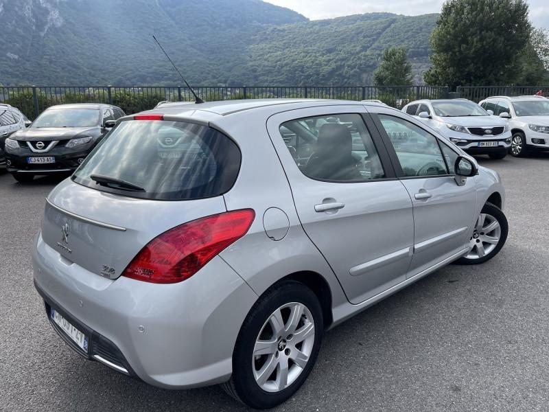 Photo 3 de l'offre de PEUGEOT 308 1.6 E-HDI112 à 5990€ chez Help car