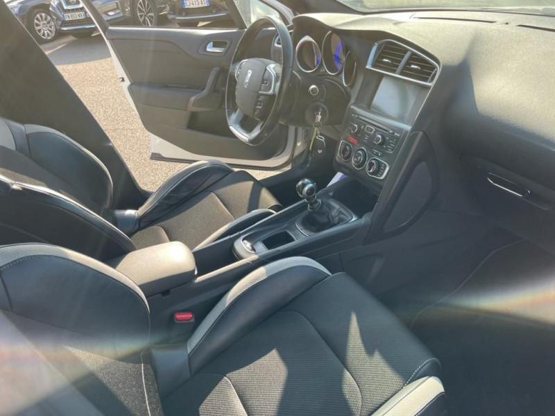 Photo 4 de l'offre de CITROEN DS4 1.6 E-HDI115 AIRDREAM CHIC à 9990€ chez Help car