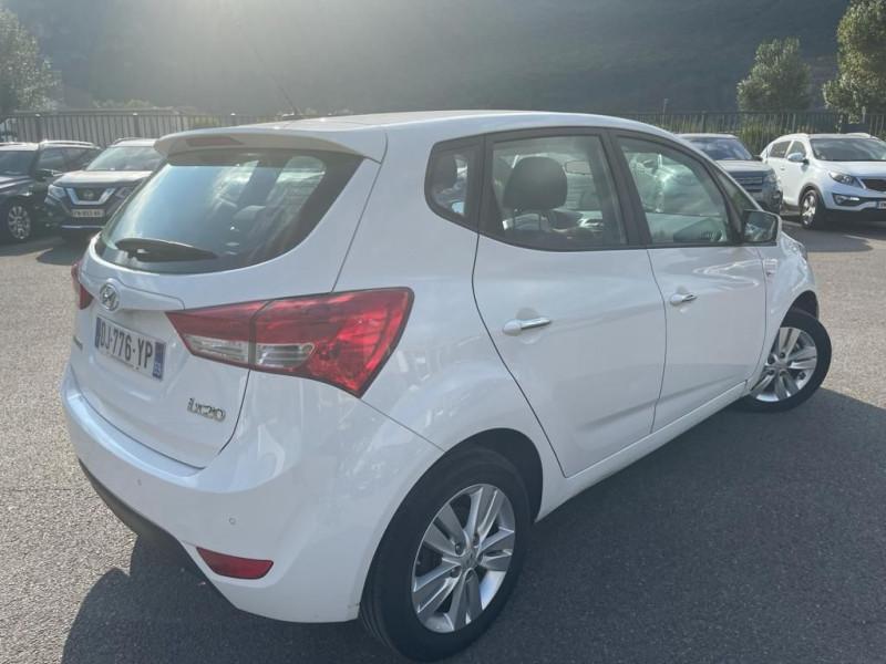 Photo 2 de l'offre de HYUNDAI IX20 1.4 90 INTUITIVE à 8990€ chez Help car