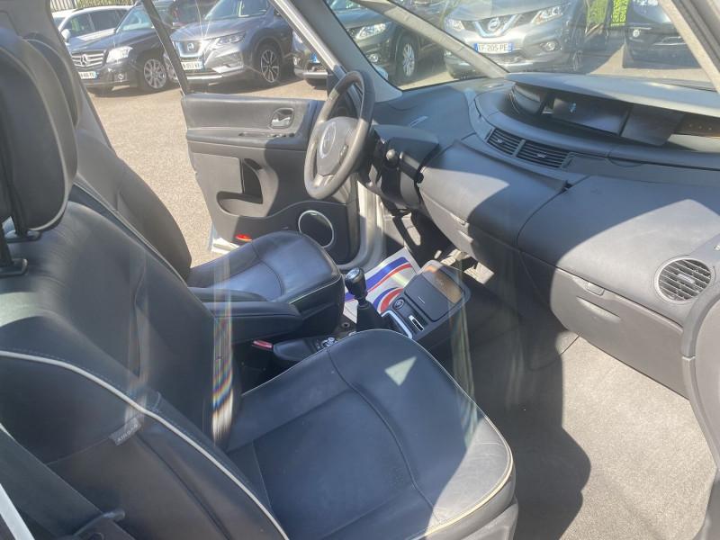 Photo 4 de l'offre de RENAULT GRAND ESPACE IV 2.0 DCI 175CH FAP INITIALE 6PLACES à 8490€ chez Help car