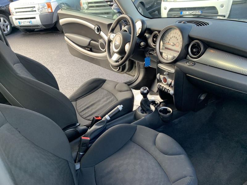 Photo 3 de l'offre de MINI MINI COOPER S 175CH PACK HOT SPICE à 7490€ chez Help car