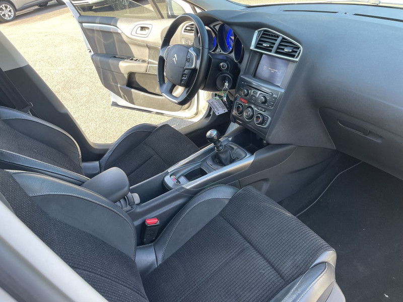 Photo 4 de l'offre de CITROEN C4 1.6 E-HDI110 FAP EXCLUSIVE  5P à 9490€ chez Help car