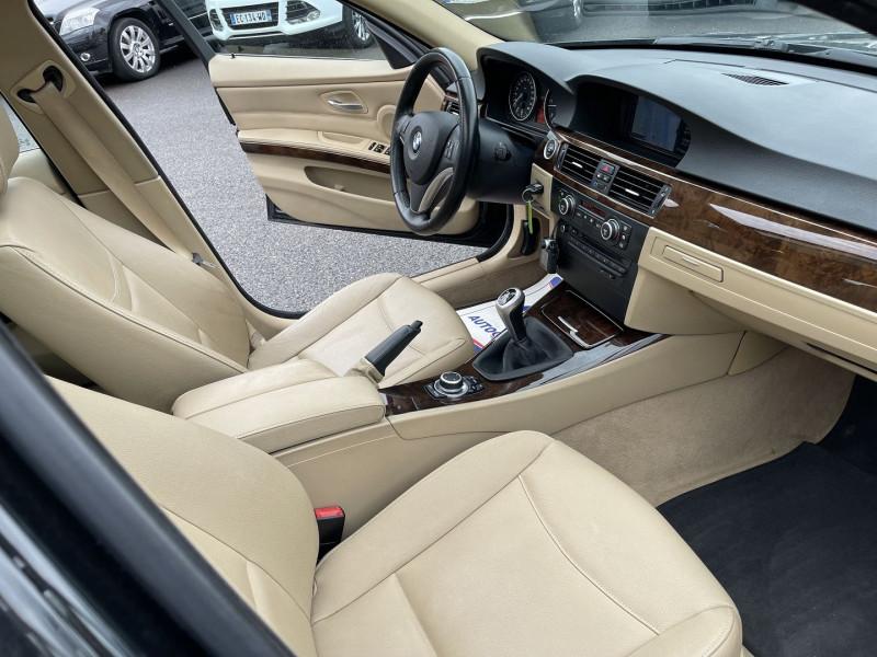 Photo 4 de l'offre de BMW SERIE 3 TOURING (E91) 330D 245CH LUXE à 11490€ chez Help car