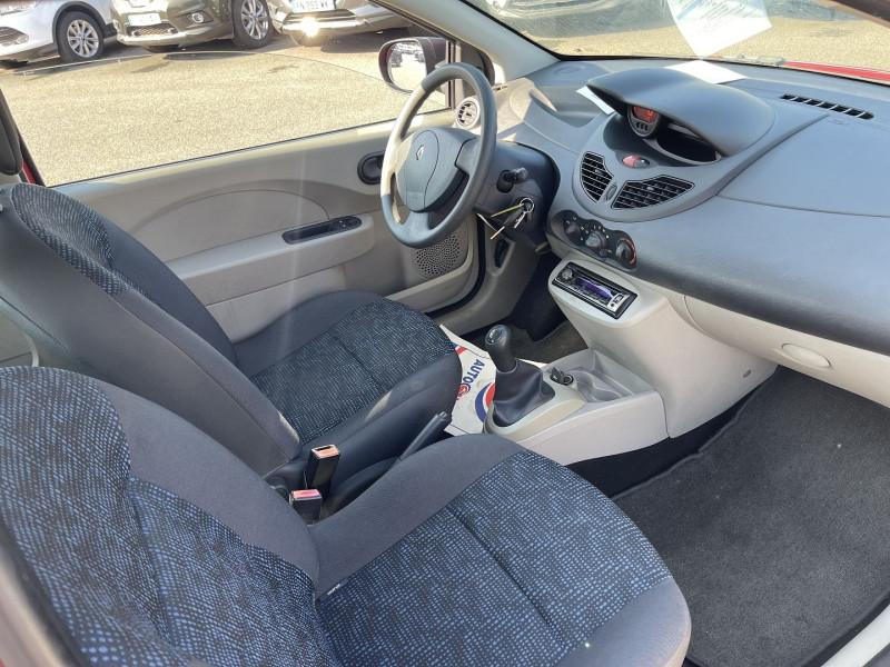 Photo 4 de l'offre de RENAULT TWINGO II 1.5 DCI 65CH AUTHENTIQUE à 5990€ chez Help car