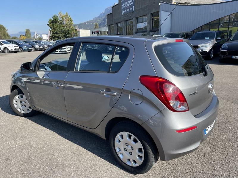 Photo 2 de l'offre de HYUNDAI I20 1.1 CRDI75 PACK INVENTIVE LIMITED à 5490€ chez Help car