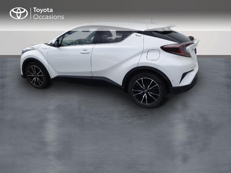 Photo 2 de l'offre de TOYOTA C-HR 122h Distinctive 2WD E-CVT à 18990€ chez Rizzon Auto - Toyota Lannion