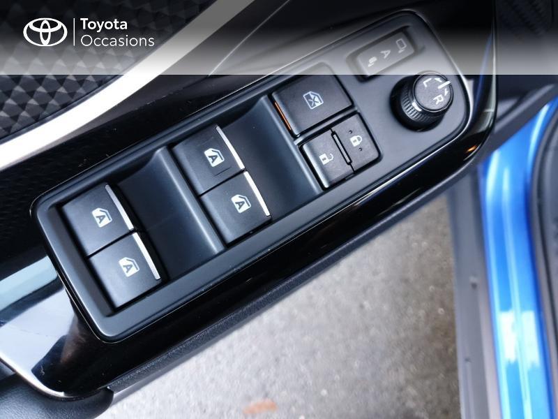 Photo 12 de l'offre de TOYOTA C-HR 122h Edition 2WD E-CVT RC18 à 22980€ chez Rizzon Auto - Toyota Guingamp