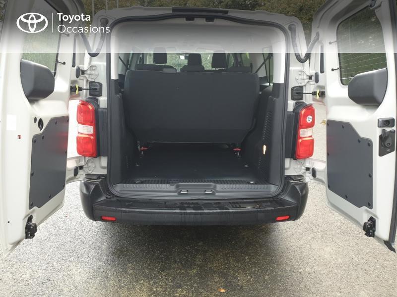 Photo 15 de l'offre de TOYOTA ProAce Verso Long 1.5 120 D-4D Dynamic RC18 à 28900€ chez Rizzon Auto - Toyota Guingamp