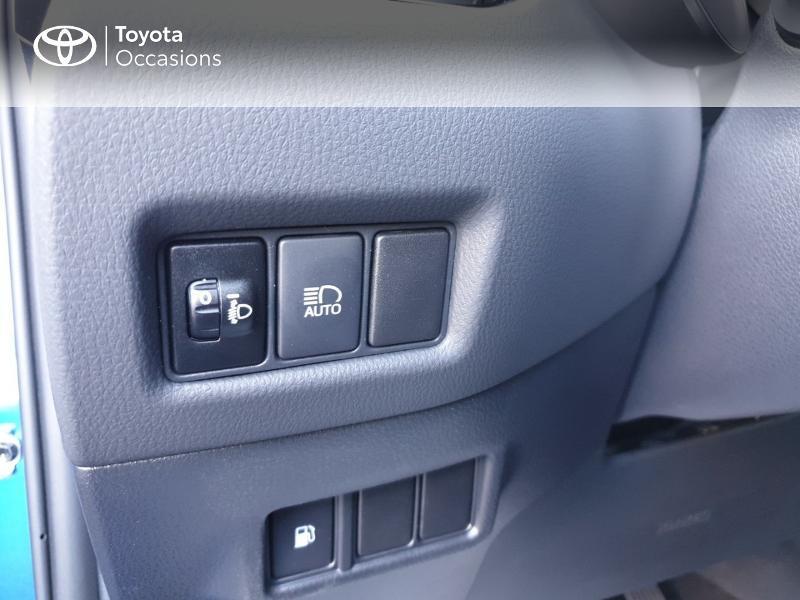 Photo 16 de l'offre de TOYOTA C-HR 122h Edition 2WD E-CVT RC18 à 22980€ chez Rizzon Auto - Toyota Guingamp