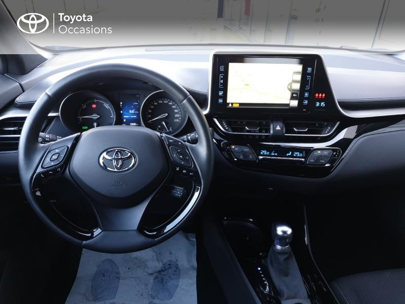 Photo 5 de l'offre de TOYOTA C-HR 122h Edition 2WD E-CVT RC18 à 22980€ chez Rizzon Auto - Toyota Guingamp
