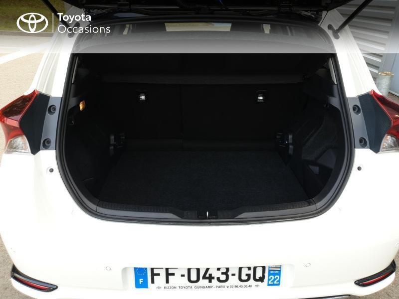 Photo 15 de l'offre de TOYOTA Auris HSD 136h Collection RC18 à 18900€ chez Rizzon Auto - Toyota Guingamp