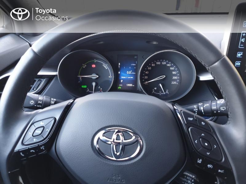 Photo 8 de l'offre de TOYOTA C-HR 122h Edition 2WD E-CVT RC18 à 22980€ chez Rizzon Auto - Toyota Guingamp
