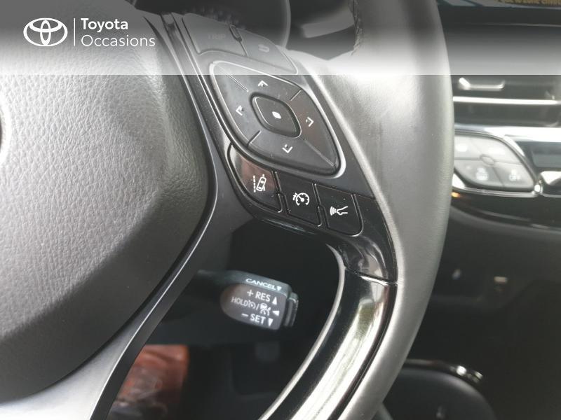 Photo 19 de l'offre de TOYOTA C-HR 122h Edition 2WD E-CVT RC18 à 21990€ chez Rizzon Auto - Toyota Guingamp