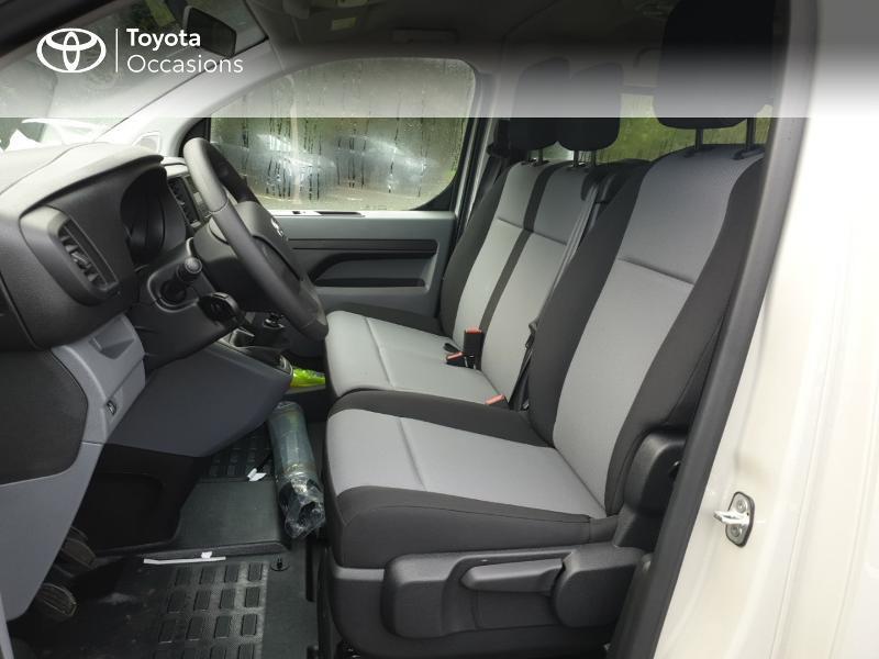 Photo 13 de l'offre de TOYOTA ProAce Verso Long 1.5 120 D-4D Dynamic RC18 à 28900€ chez Rizzon Auto - Toyota Guingamp
