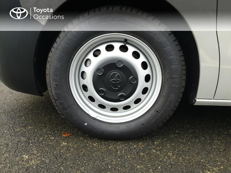 Photo 4 de l'offre de TOYOTA ProAce Verso Long 1.5 120 D-4D Dynamic RC18 à 28900€ chez Rizzon Auto - Toyota Guingamp