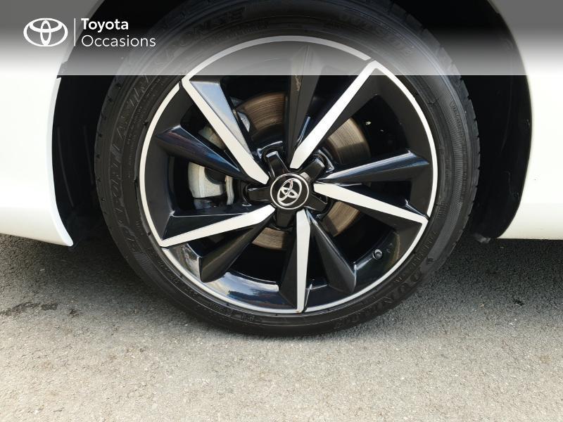 Photo 4 de l'offre de TOYOTA Auris HSD 136h Collection RC18 à 18900€ chez Rizzon Auto - Toyota Guingamp