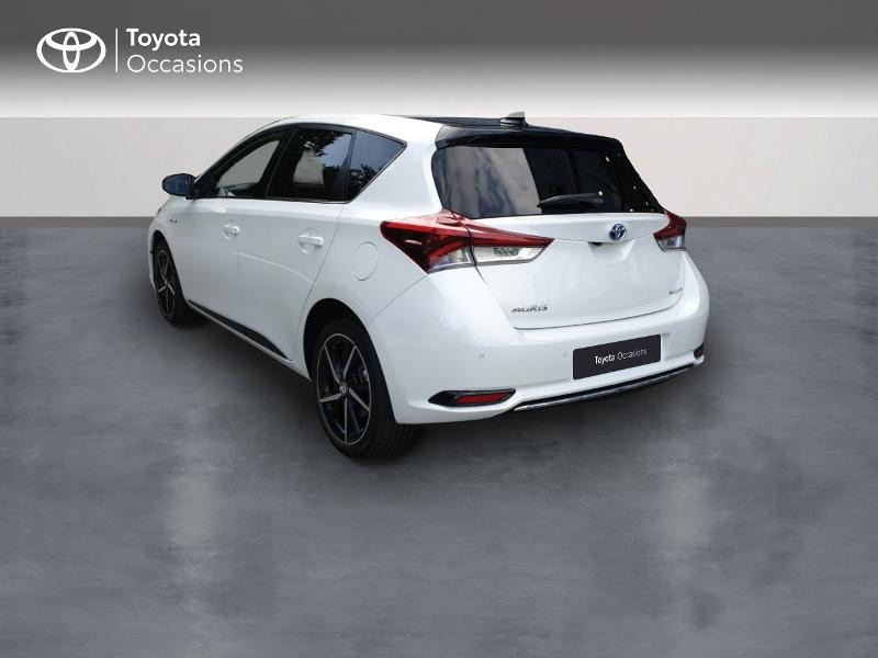 Photo 2 de l'offre de TOYOTA Auris HSD 136h Collection RC18 à 18900€ chez Rizzon Auto - Toyota Guingamp