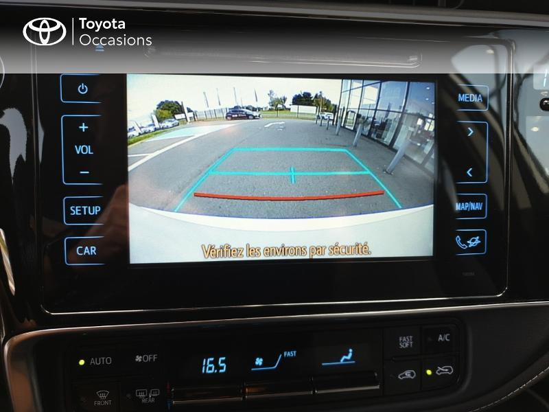 Photo 17 de l'offre de TOYOTA Auris HSD 136h Collection RC18 à 18900€ chez Rizzon Auto - Toyota Guingamp