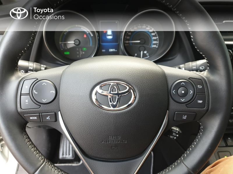 Photo 8 de l'offre de TOYOTA Auris HSD 136h Collection RC18 à 18900€ chez Rizzon Auto - Toyota Guingamp