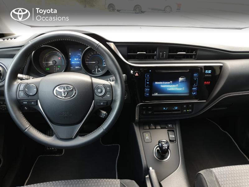 Photo 5 de l'offre de TOYOTA Auris HSD 136h Collection RC18 à 18900€ chez Rizzon Auto - Toyota Guingamp