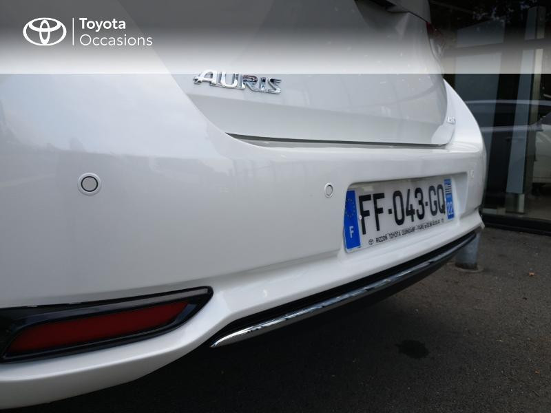 Photo 20 de l'offre de TOYOTA Auris HSD 136h Collection RC18 à 18900€ chez Rizzon Auto - Toyota Guingamp