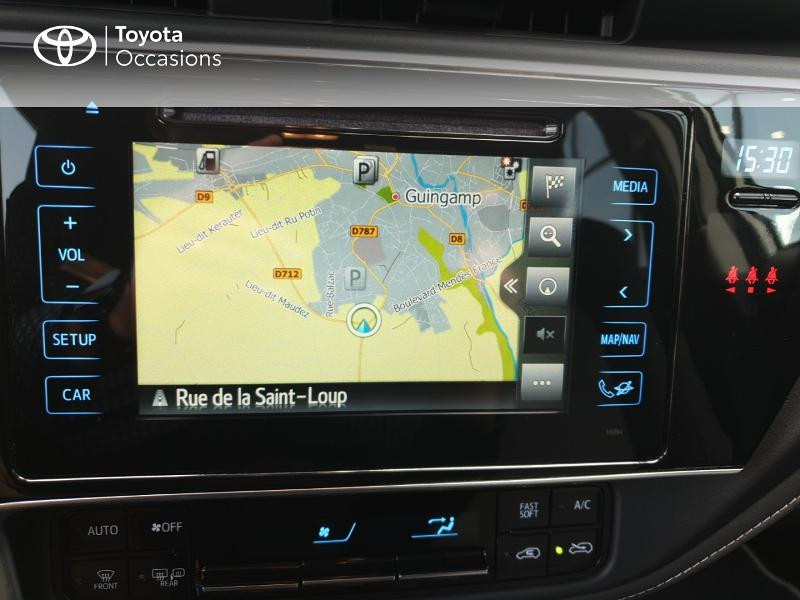 Photo 7 de l'offre de TOYOTA Auris HSD 136h Collection RC18 à 18900€ chez Rizzon Auto - Toyota Guingamp