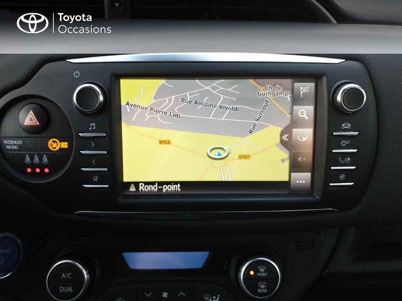 Photo 7 de l'offre de TOYOTA Yaris 100h Chic 5p à 14990€ chez Rizzon Auto - Toyota Guingamp