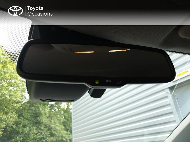 Photo 18 de l'offre de TOYOTA Auris HSD 136h Collection RC18 à 18900€ chez Rizzon Auto - Toyota Guingamp