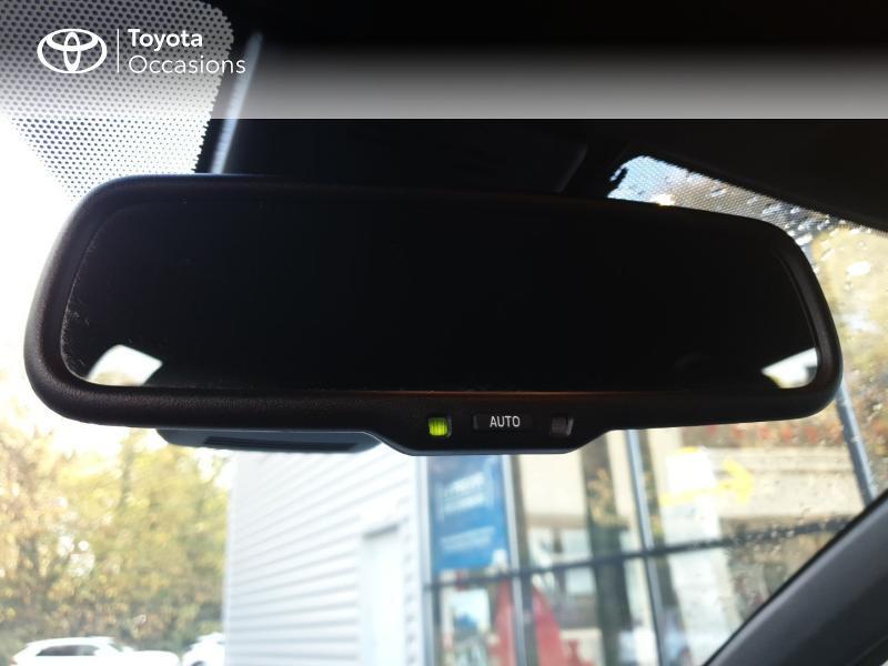 Photo 18 de l'offre de TOYOTA Yaris 100h Chic 5p à 14990€ chez Rizzon Auto - Toyota Guingamp