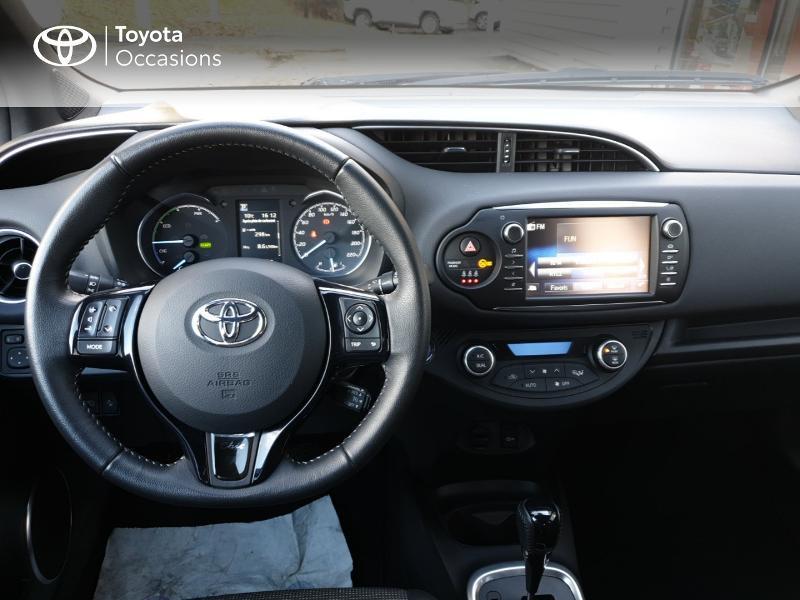 Photo 5 de l'offre de TOYOTA Yaris 100h Chic 5p à 14990€ chez Rizzon Auto - Toyota Guingamp