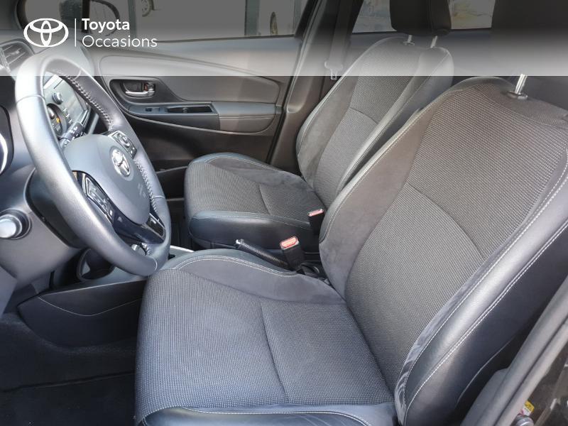 Photo 13 de l'offre de TOYOTA Yaris 100h Chic 5p à 14990€ chez Rizzon Auto - Toyota Guingamp