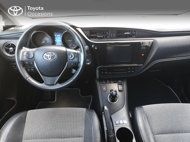 Photo 5 de l'offre de TOYOTA Auris HSD 136h Lounge à 18900€ chez Rizzon Auto - Toyota Guingamp