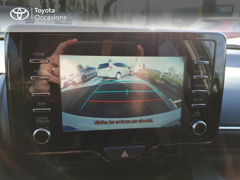 Photo 18 de l'offre de TOYOTA Yaris 70 VVT-i Design 5p à 17490€ chez Rizzon Auto - Toyota Guingamp