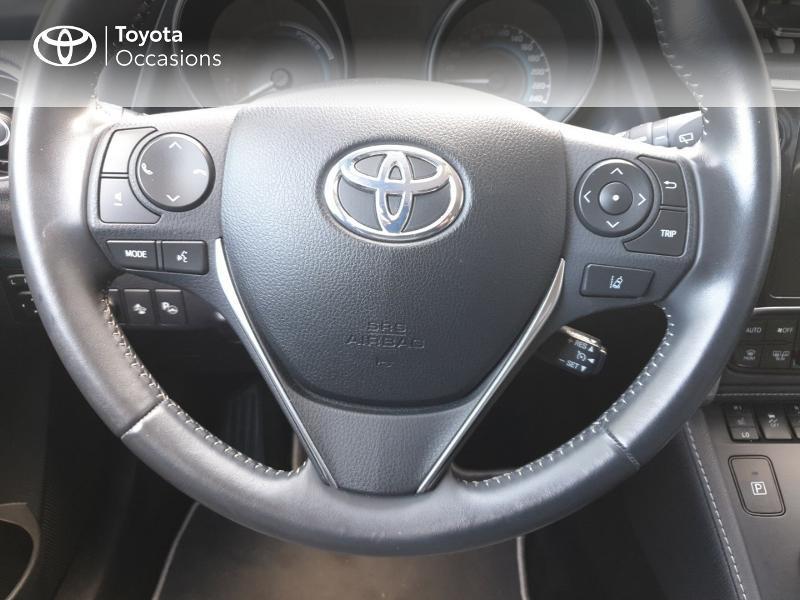 Photo 7 de l'offre de TOYOTA Auris HSD 136h Lounge à 18900€ chez Rizzon Auto - Toyota Guingamp