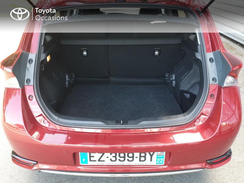 Photo 15 de l'offre de TOYOTA Auris HSD 136h Lounge à 18900€ chez Rizzon Auto - Toyota Guingamp