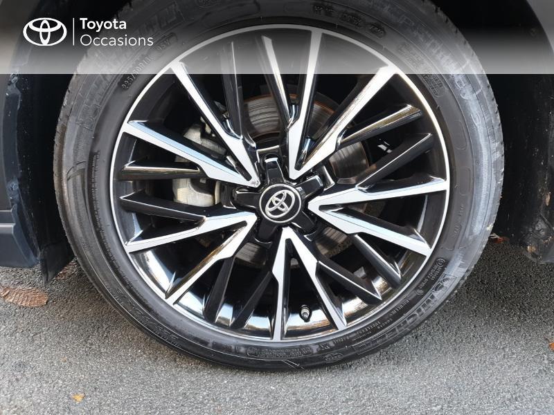 Photo 4 de l'offre de TOYOTA C-HR 122h Distinctive 2WD E-CVT MC19 à 26900€ chez Rizzon Auto - Toyota Guingamp