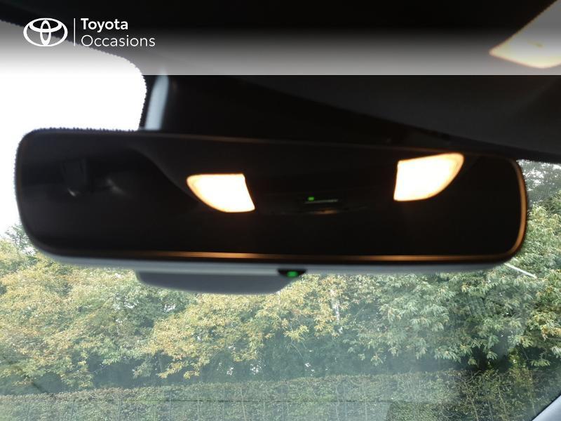 Photo 18 de l'offre de TOYOTA Corolla 184h Design MY20 à 23490€ chez Rizzon Auto - Toyota Guingamp