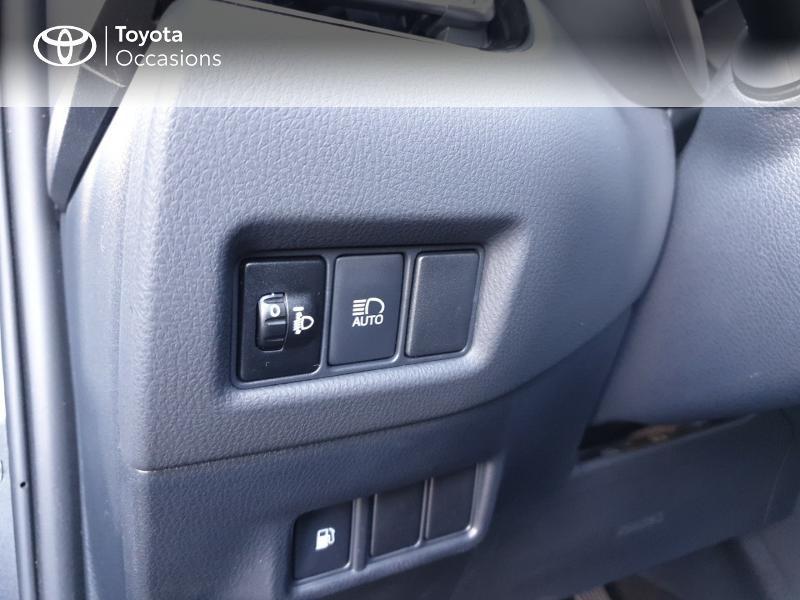 Photo 16 de l'offre de TOYOTA C-HR 122h Edition 2WD E-CVT RC18 à 21490€ chez Rizzon Auto - Toyota Guingamp