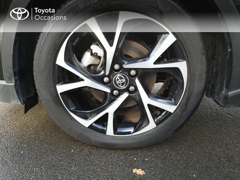 Photo 16 de l'offre de TOYOTA C-HR 122h Edition 2WD E-CVT RC18 à 21480€ chez Rizzon Auto - Toyota Guingamp