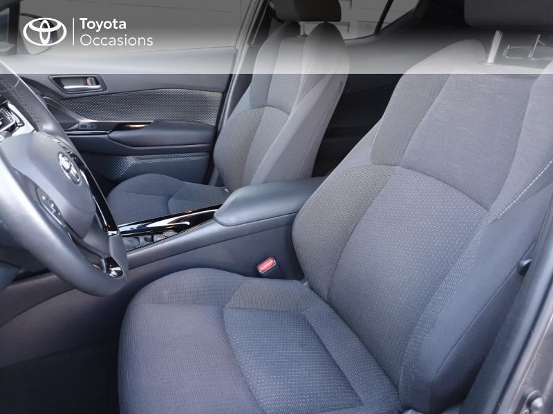 Photo 13 de l'offre de TOYOTA C-HR 122h Edition 2WD E-CVT RC18 à 21490€ chez Rizzon Auto - Toyota Guingamp