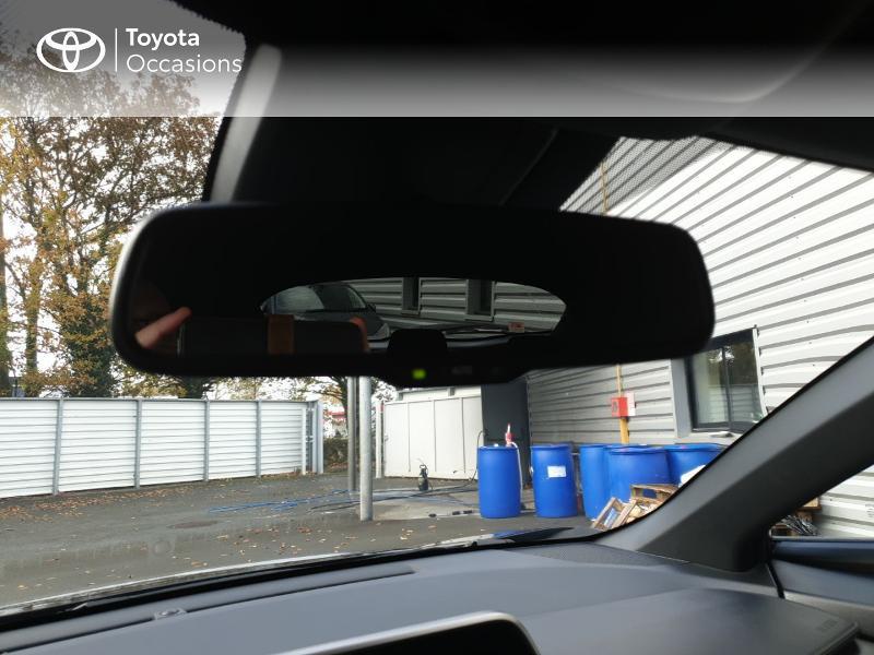 Photo 17 de l'offre de TOYOTA C-HR 122h Edition 2WD E-CVT RC18 à 21480€ chez Rizzon Auto - Toyota Guingamp