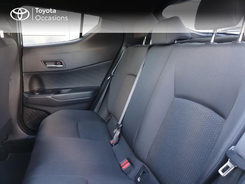 Photo 14 de l'offre de TOYOTA C-HR 122h Edition 2WD E-CVT RC18 à 21490€ chez Rizzon Auto - Toyota Guingamp