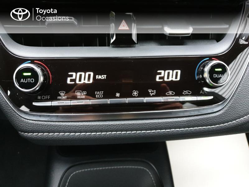 Photo 11 de l'offre de TOYOTA Corolla 122h Design à 22490€ chez Rizzon Auto - Toyota Guingamp